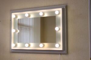 Зеркало с подсветкой-min